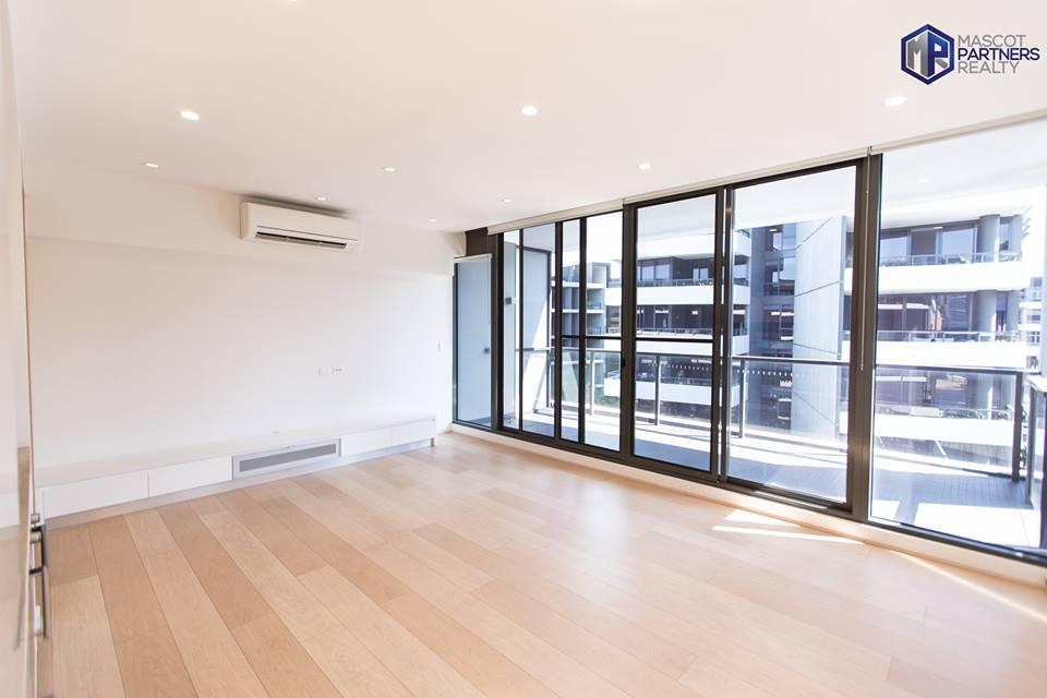 Modern Spacious One Bedroom Apartment in Waterloo (LEASED)