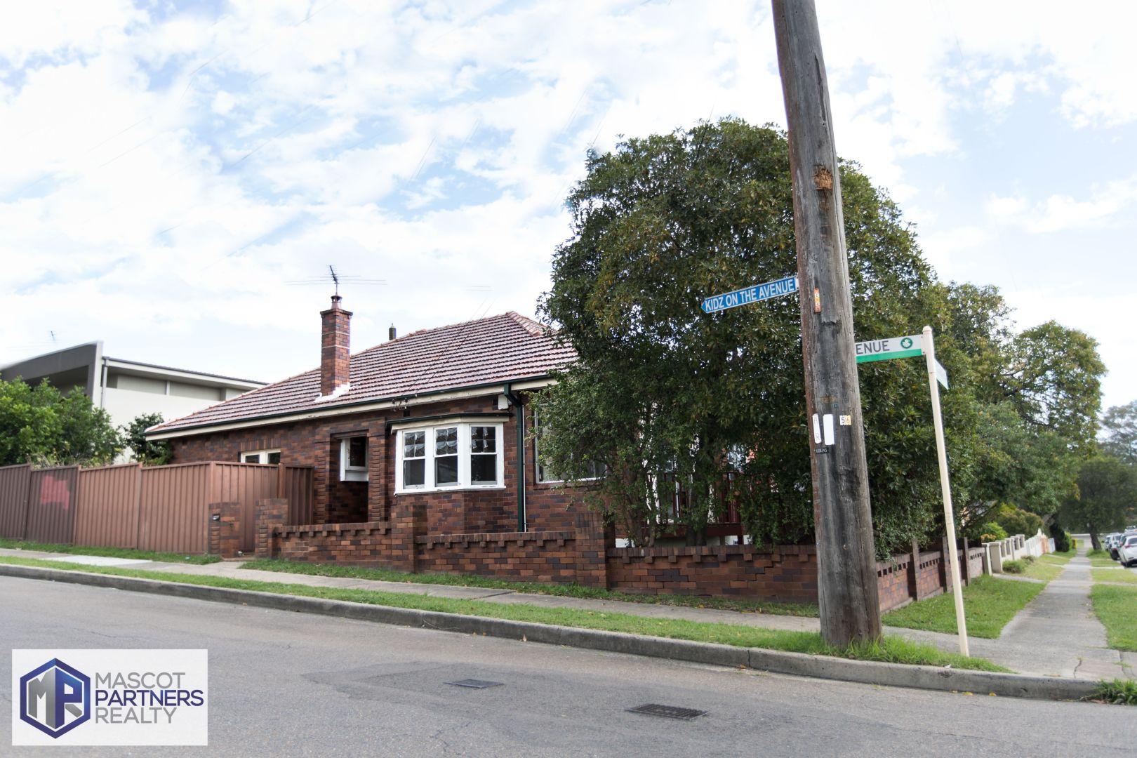 RENOVATED 3 BEDROOM HOUSE IN HURSTVILLE (LEASED)