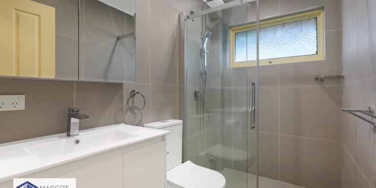 5_30_Denman_Ave_Wiley_Park_Bathroom_Low