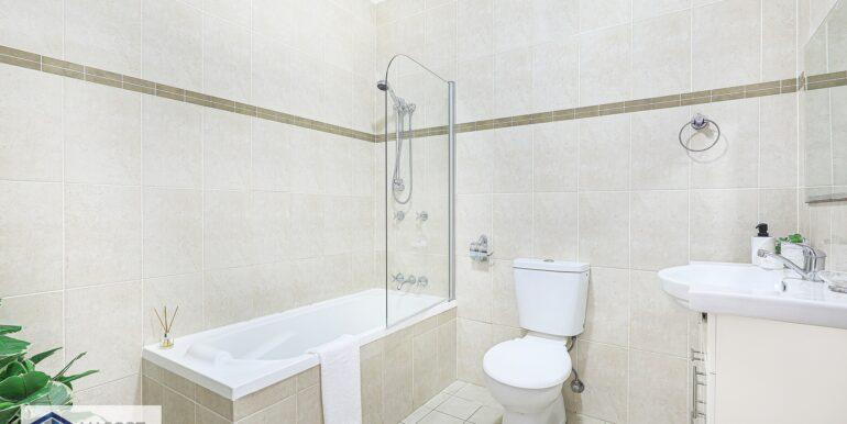 307B_5-11_Sixth_Avenue_Campsie_Bathroom_low