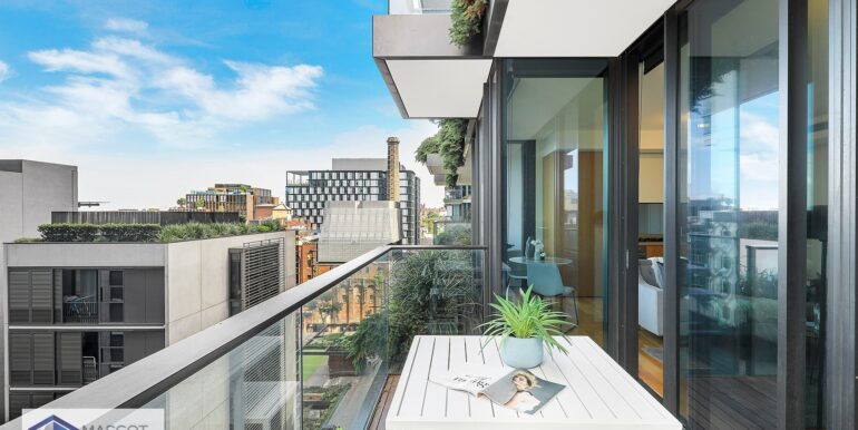 611_3_Carlton_St_Chippendale_Balcony_low