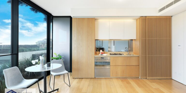 611_3_Carlton_St_Chippendale_Kitchen_Dining_Low