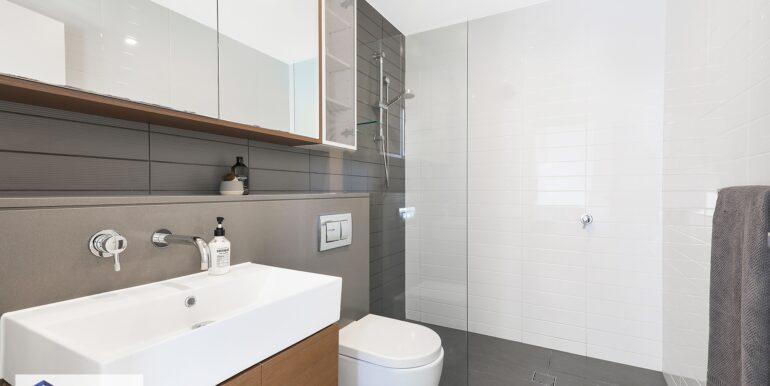 808_64-72_River_Rd_Ermington_Bathroom._lowjpg