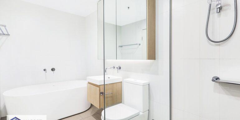 1306_6A_Atkinson_Street_Liverpool_Bathroom_low